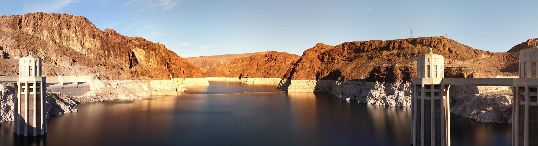 Lake_Mead_Panorama_2